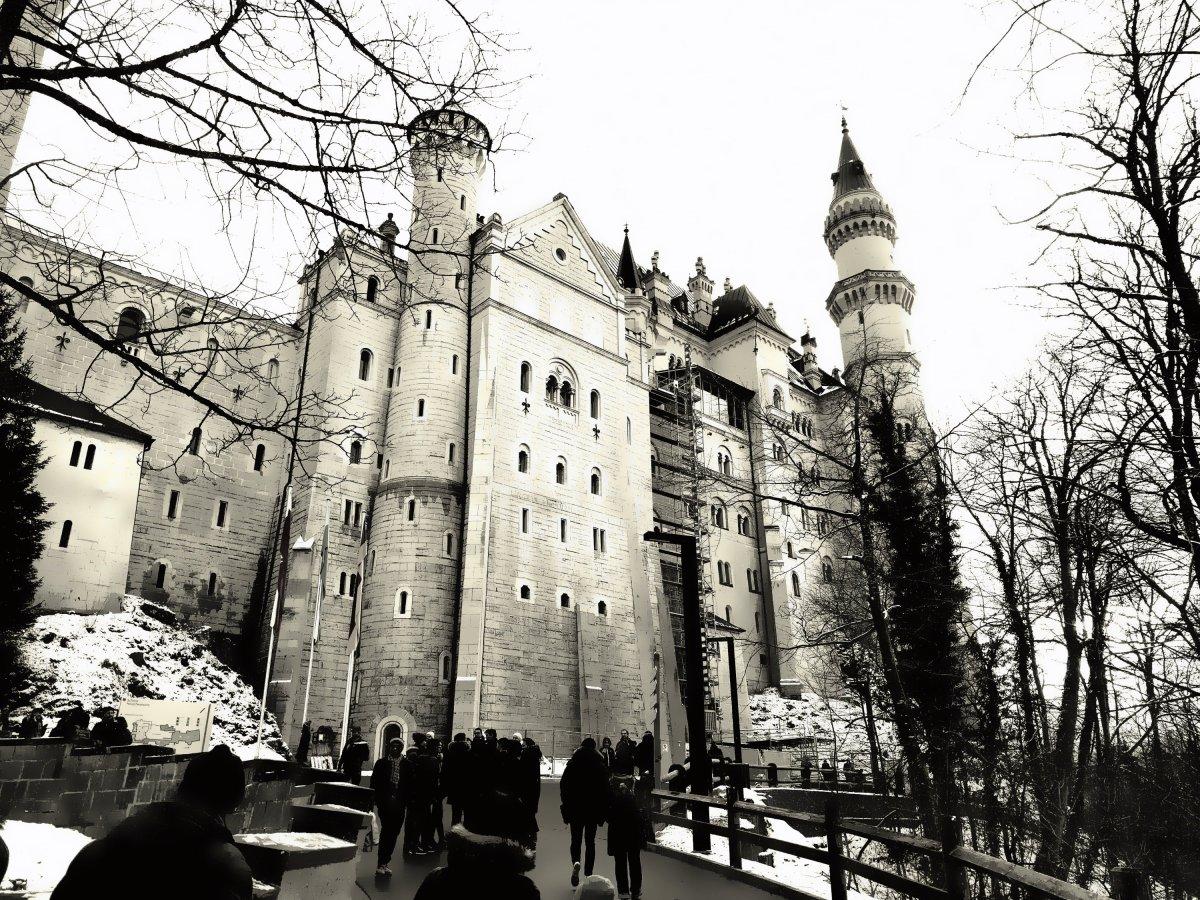 Herr Putin und Frau Merkel treffen sich ja heute auf Schloss Meseberg